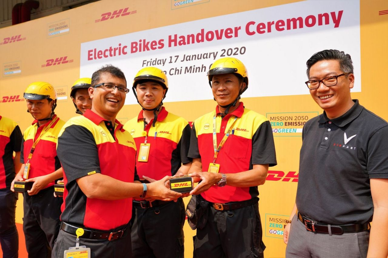 200117 Dhl E Bike Handovers 2 1 1