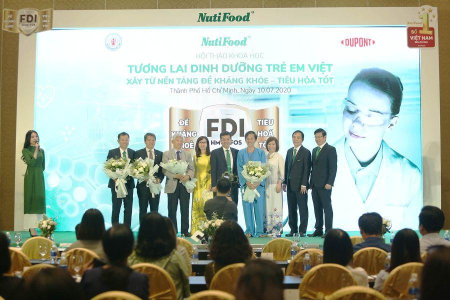 Toàn Bộ Khách Mời Tại Hội Thảo Khoa Học Tương Lai Dinh Dưỡng Trẻ Em Việt 1