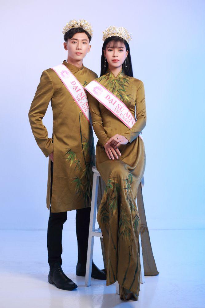 Gia đình Đại sứ Áo dài Việt Nam chào đón Ngọc Trang – Châu Linh