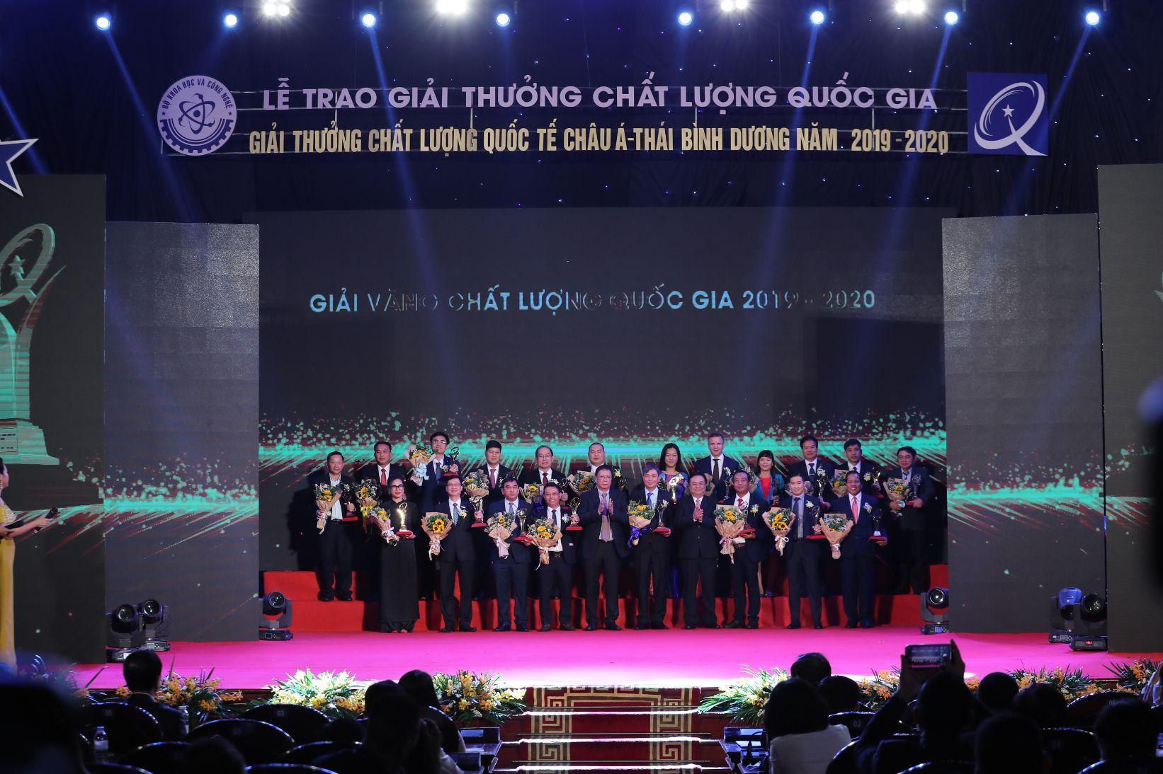 Dai Dien Nestle Nhan Giai Vang Chat Luong Quoc Gia 1