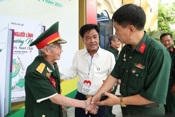 Tphcm Ra Mat Clb Trai Tim Nguoi Linh Phuong Nam 1