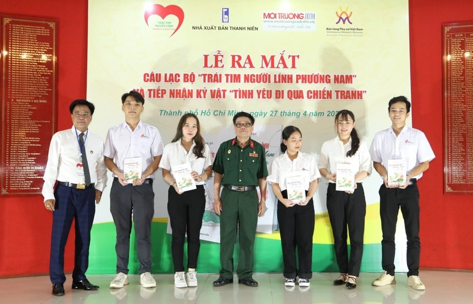 Tphcm Ra Mat Clb Trai Tim Nguoi Linh Phuong Nam 5