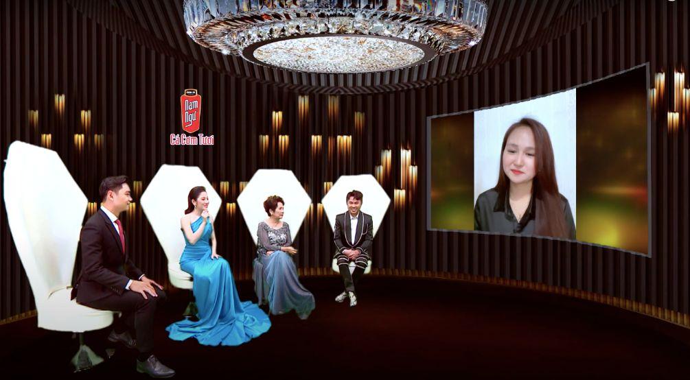 Giao Luu Truc Tuyen Thi Sinh Hien Anh 1