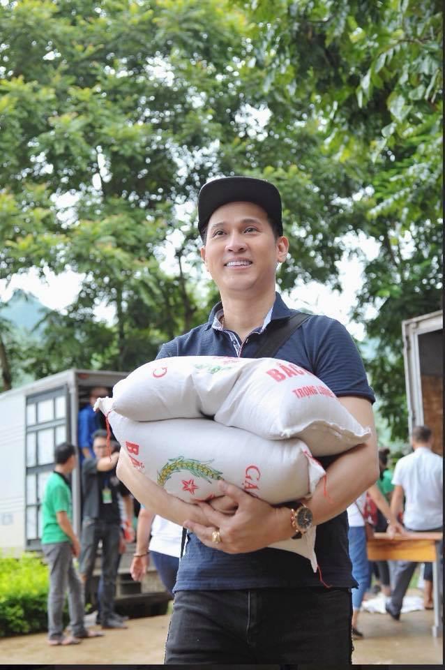 Nguyen Vu Giup Ba Con Trong Mua Dich 7