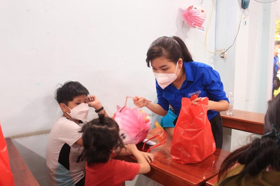 Nestle Viet Nam Phoi Hop Tinh Doan Dong Nai To Chuc Chuong Trinh Trung Thu Cho Tre Em Hoan Canh Kho Khan 2.