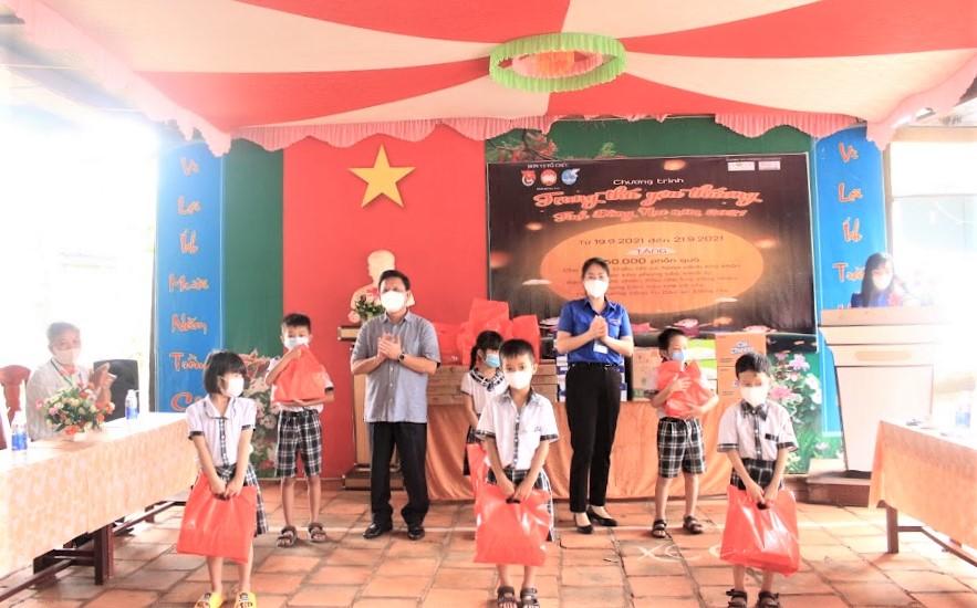 Nestle Viet Nam Phoi Hop Tinh Doan Dong Nai To Chuc Chuong Trinh Trung Thu Cho Tre Em Hoan Canh Kho Khan.